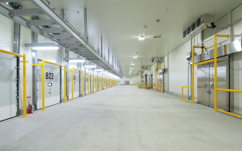 低温冷凍庫の鮮度維持に最適な防熱扉
